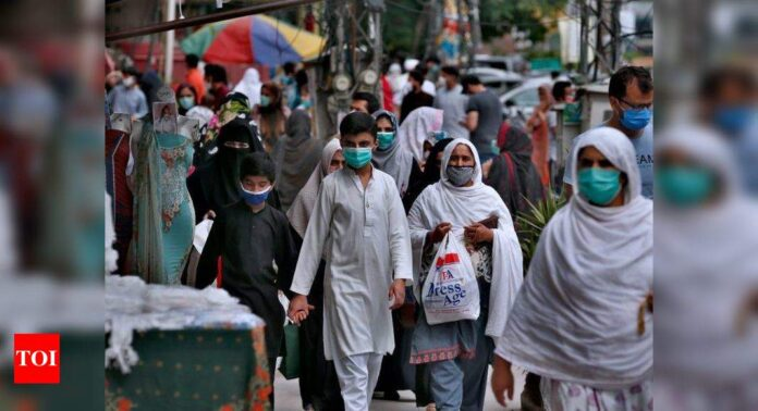 Pakistan's active Covid-19 cases decline to 65,725, lowest since July